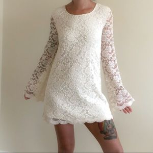 Forever 21 Long sleeves Lace dress 🌿